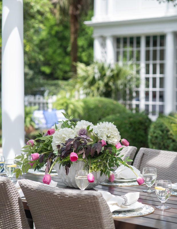 Outdoor Entertaining - Home of Susan Victor